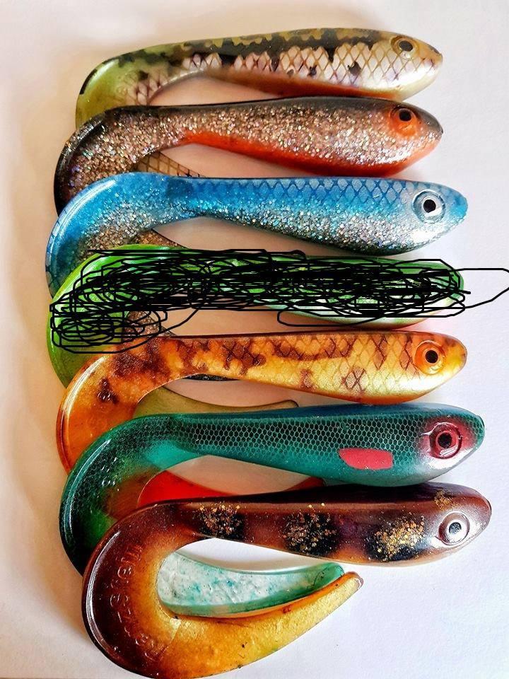 Pikewallis Friluftsliv egene farger på Renz BEASTLY TAIL 25CM (gummitail kan være het på høsten)