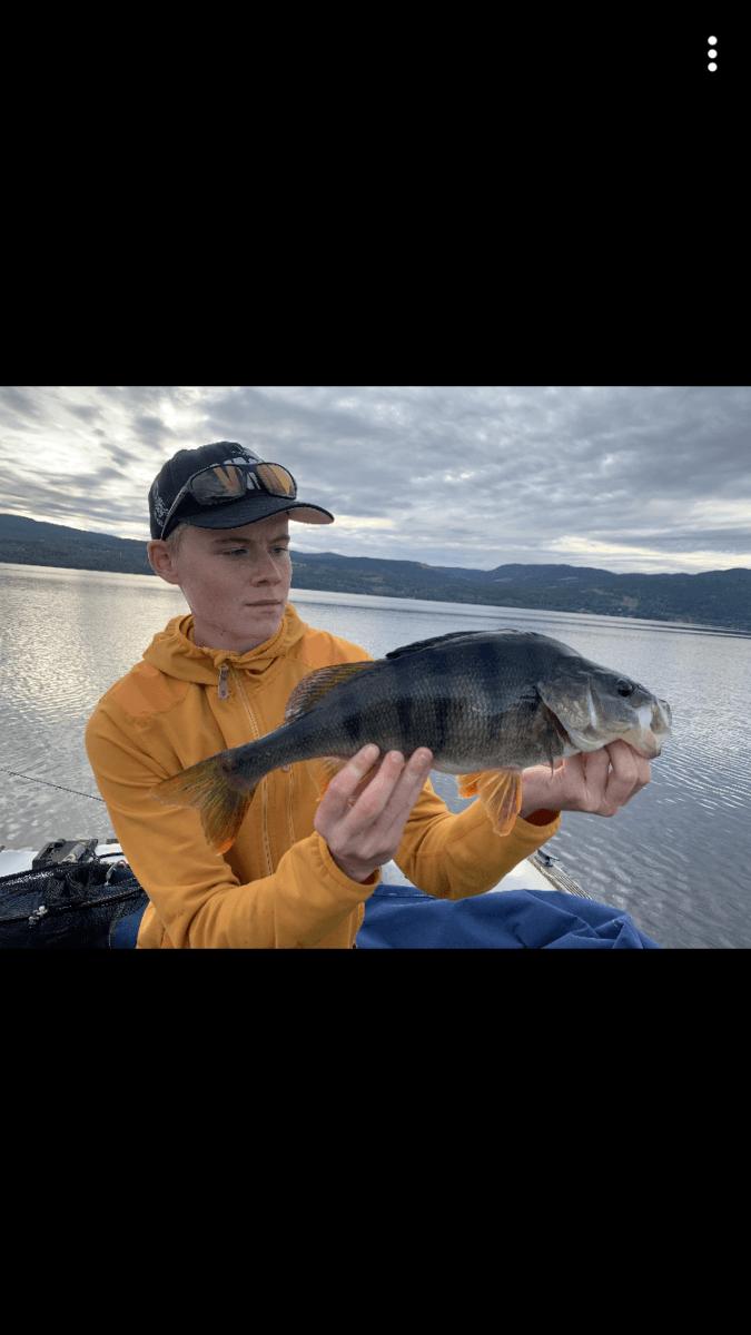 3. fisken over 1 kilo inn i konkurransen.
