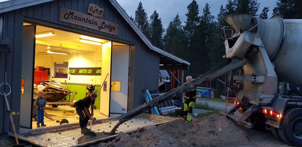 Østlandet Motorservice mountain lodge vil ha isfiske utstyr tilgjennlig.