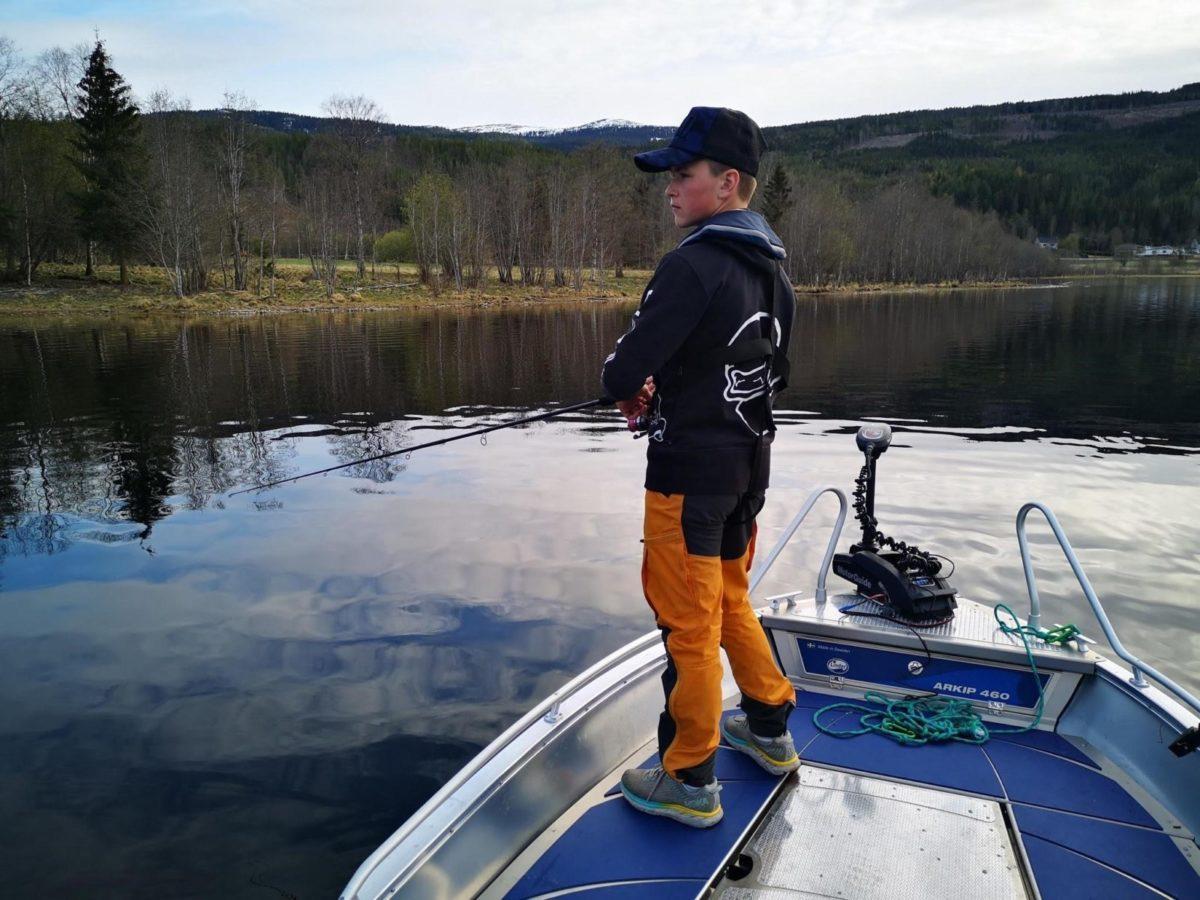Gjeddefiske i Lomnesjøen.