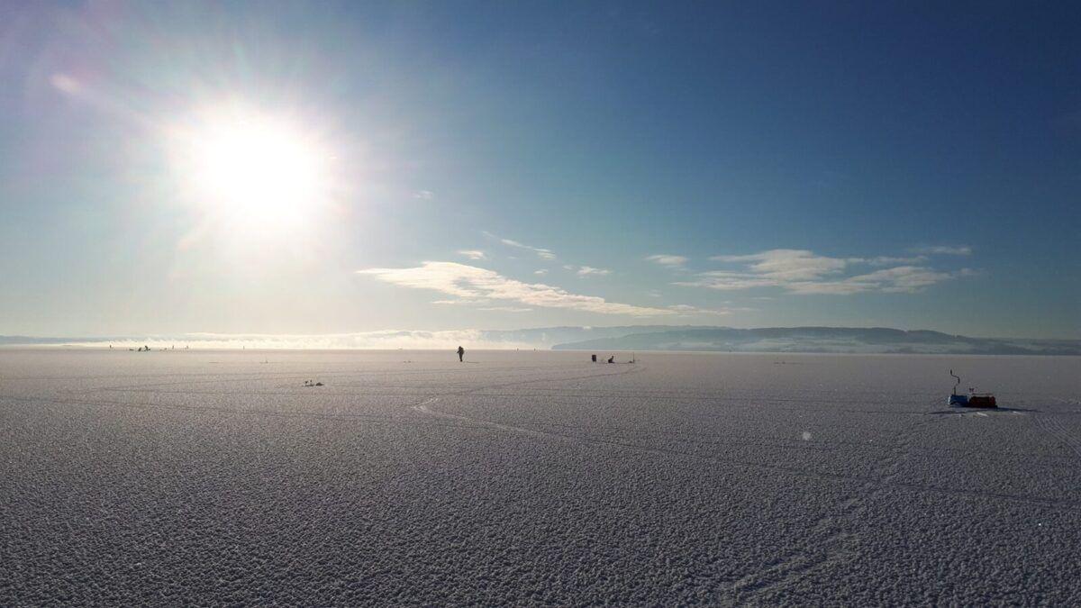 Isfiske på Mjøsa. (med video)